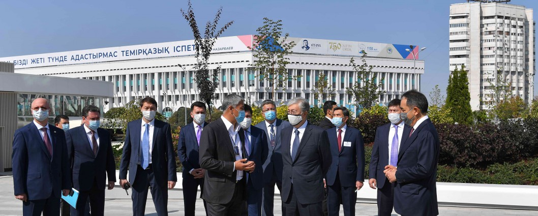 "President Kassym-Jomart Tokayev visits ""Almaly"" public space on Republic square"